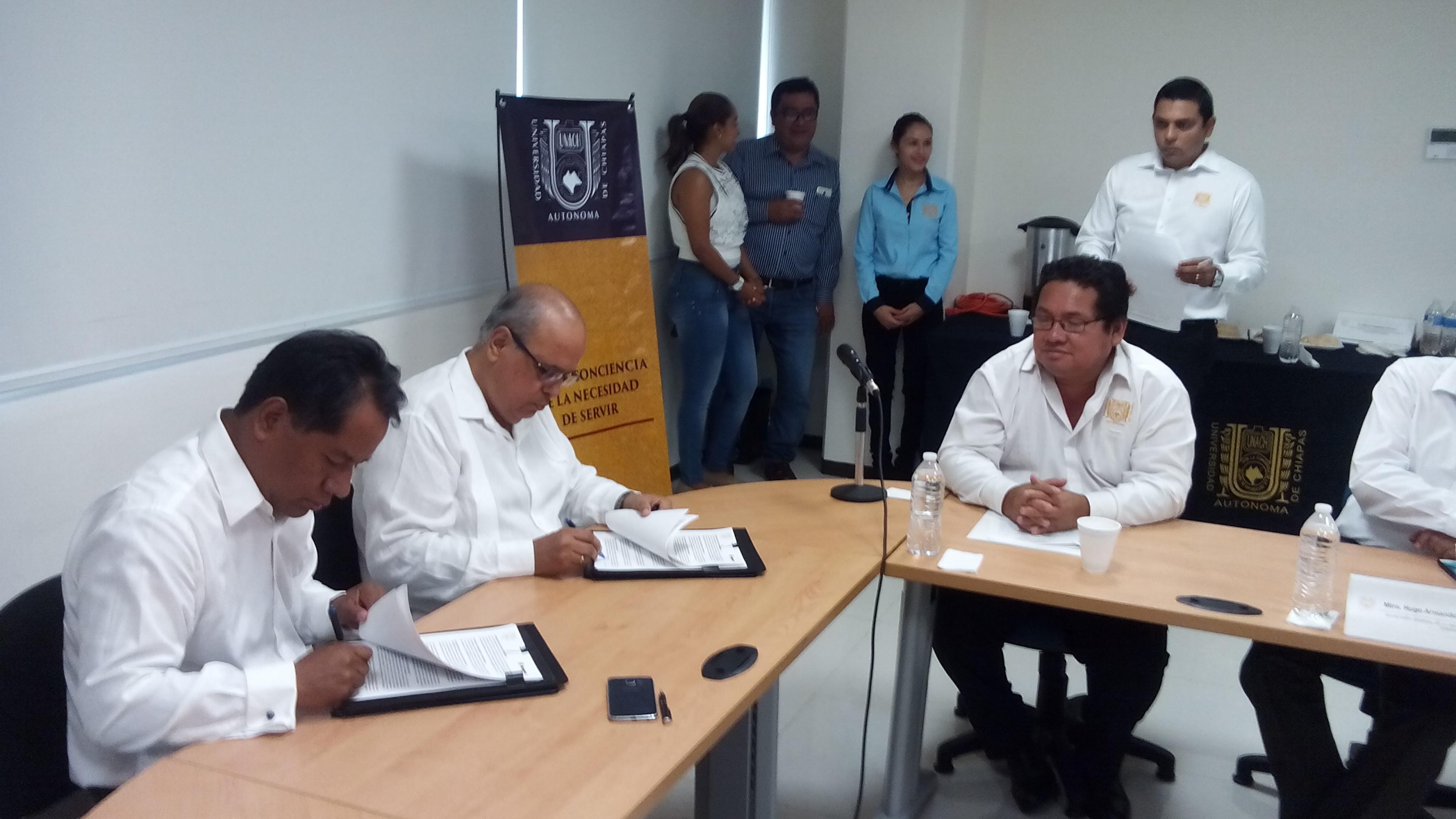Firma convenio de colaboración entre la Universidad Autónoma de Chiapas y la Empresa Chiapaneca Rotoinnovación
